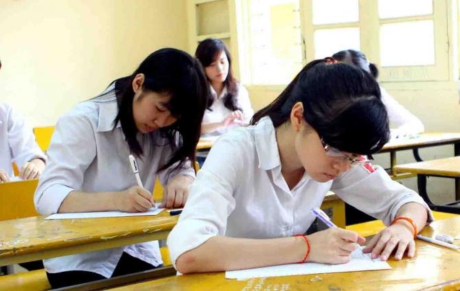 Đề thi học kì 2 lớp 12 môn Sử - THPT Phú Mĩ năm 2015