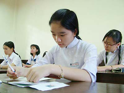 Đề kiểm tra giữa học kì 2 lớp 12 môn Hóa - THPT Phan Đăng Lưu năm 2015