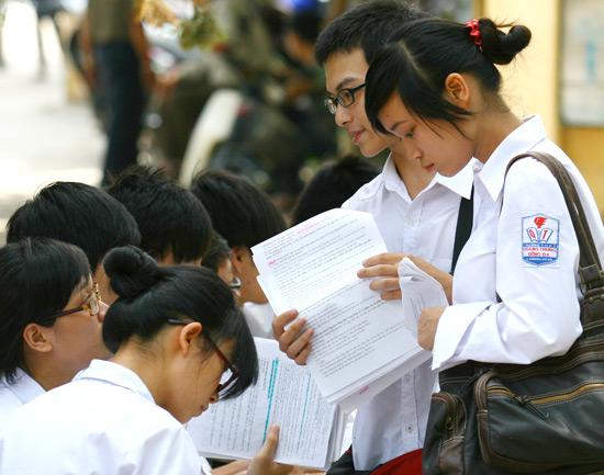Đề thi giữa học kì 2 lớp 8 môn Tiếng Anh năm 2015 - THCS Tam Hưng