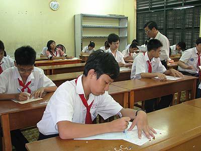 Đề thi giữa học kì 2 lớp 8 môn Văn - Việt Yên 2015