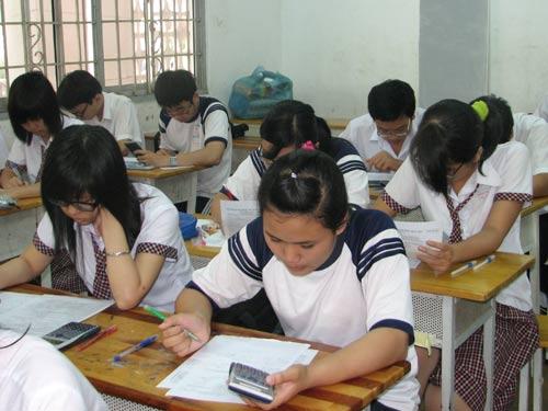 Đề kiểm tra giữa học kì 1 lớp 7 môn Vật Lý trường THCS Rô Men năm 2015