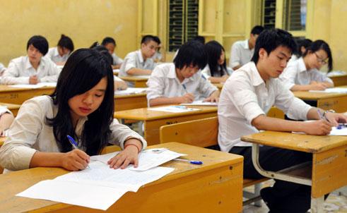 Đề thi học kì 1 môn Tiếng Anh lớp 7 trường THCS Biên Giới 2015