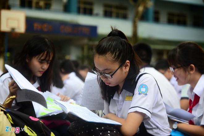 Đề thi cuối học kì 1 lớp 10 môn Lý THPT Uông Bí 2015