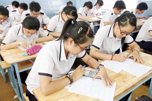 Đề thi học kì 1 lớp 7 môn Tiếng Anh trường THCS Phan Châu Trinh năm 2015