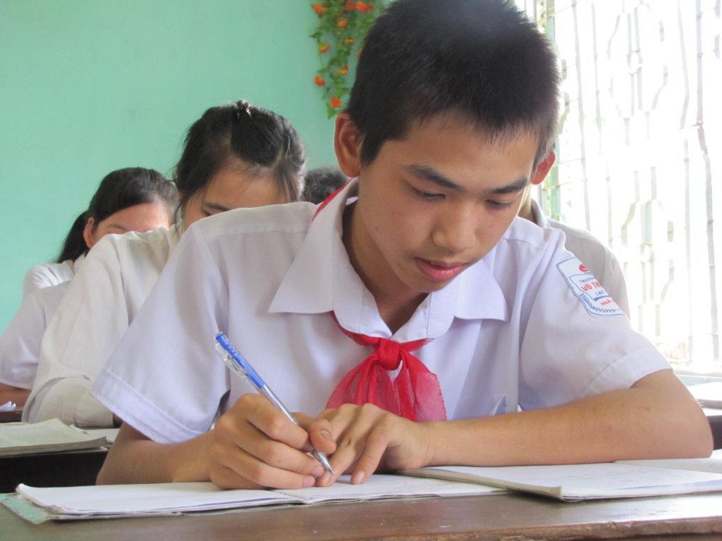 Đề thi học kì 1 môn Hóa học lớp 8 - Quận Tân Bình năm 2014