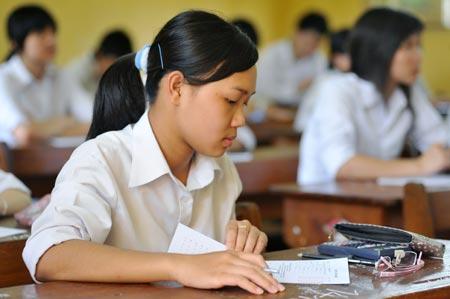 Đề thi học kì 1 môn Sử lớp 8 trường THCS Tân Long 2014