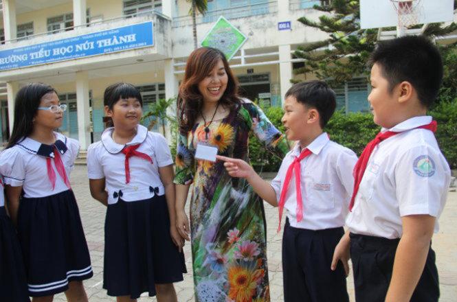 Đề thi giữa học kì 1 lớp 9 năm 2014 môn tiếng Anh