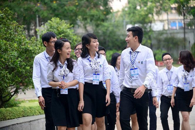 Đề thi môn Toán lớp 9 học kì 1 - Quảng Nam năm 2015