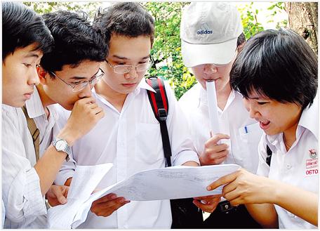Đề thi giữa học kì 1 môn Tiếng Anh lớp 12 năm 2015 trường THPT Trần Nhân Tông