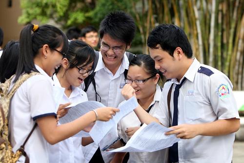 Đề thi học kì 1 môn Anh lớp 12 năm 2015 có đáp án
