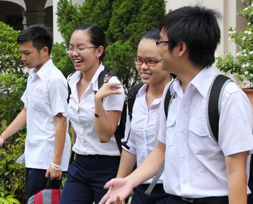 Đề thi giữa học kì 1 môn Anh lớp 11 năm 2015 trường THPT Minh Phú