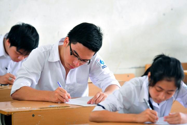 Đề thi học kì 1 môn Toán lớp 4 năm 2015 trường tiểu học Điệp Nông