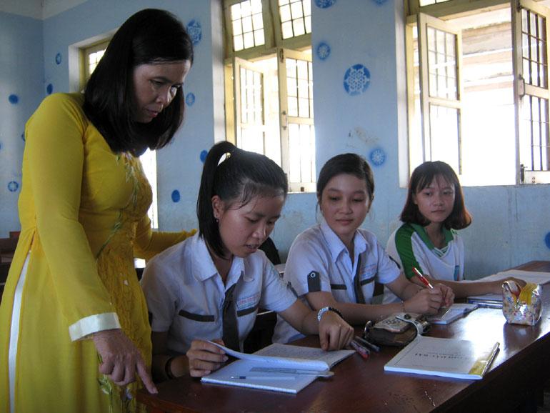 Đề thi học kì 1 môn Toán lớp 4 tiểu học Phương Trung 2 năm 2015