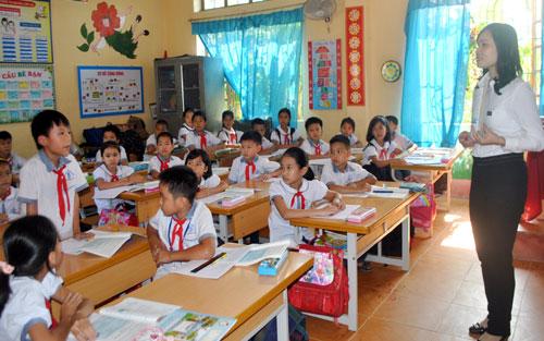Đề thi cuối học kì 1 môn Toán lớp 2 năm 2015 trường Tiểu học Tam Đảo