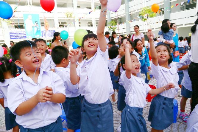 Đề thi giữa học kì 1 môn Tiếng Việt lớp 1 năm 2015 trường Tiểu Học Hùng Vương