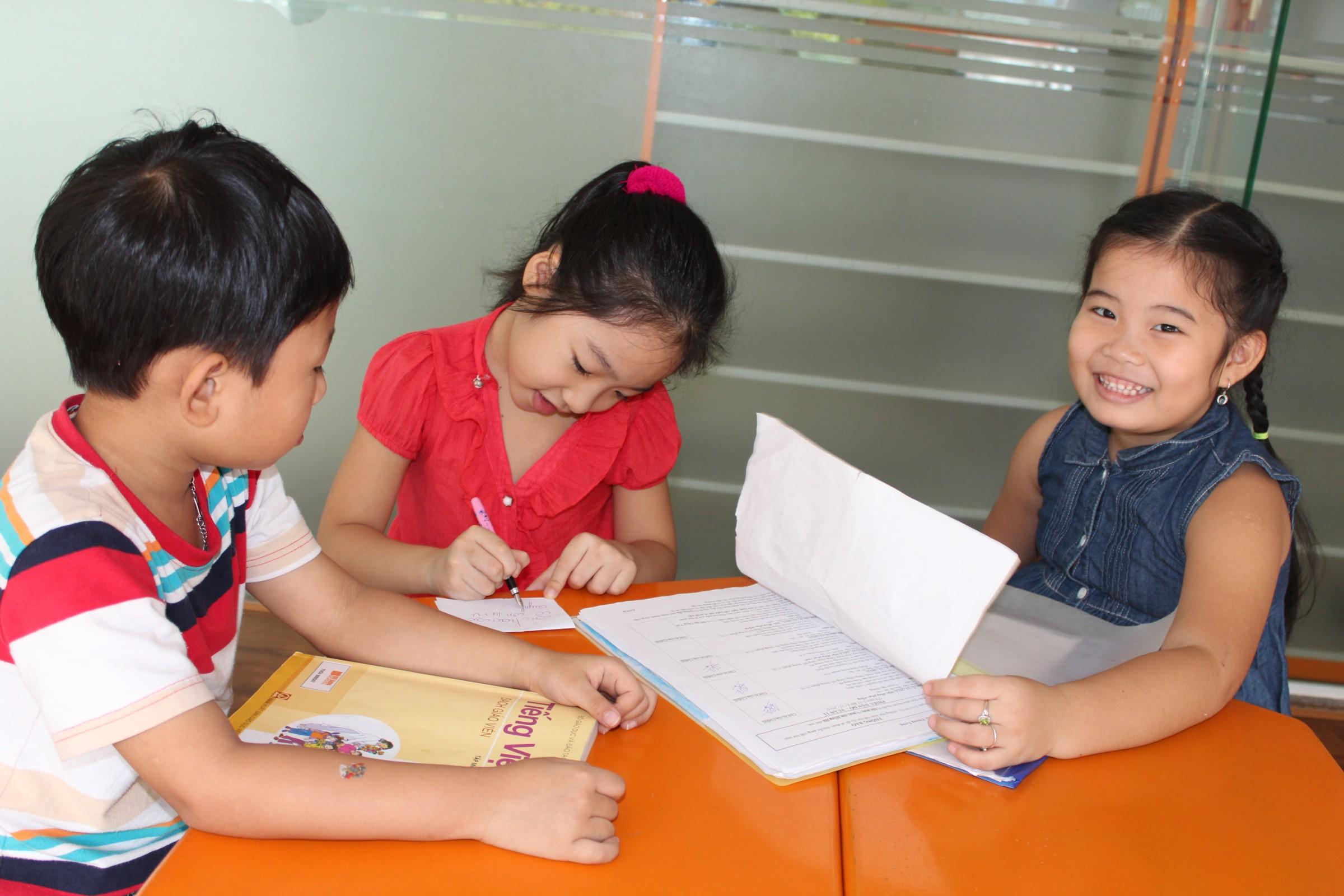 Đề thi giữa học kì 1 môn Toán lớp 1 năm 2015 trường Tiểu Học Hai Bà Trưng