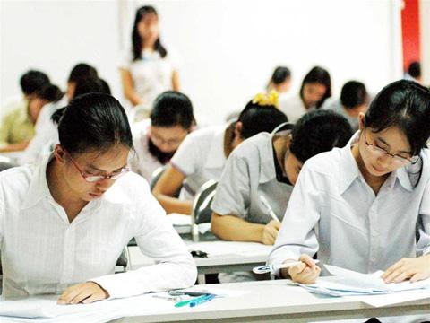 Đề thi giữa học kì 1 môn Tiếng Anh lớp 12 trường THPT Nguyễn Trãi năm 2015