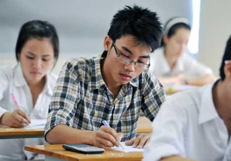 Đề thi khảo sát giữa học kì 1 lớp 12 môn Văn - Ninh Bình năm 2015