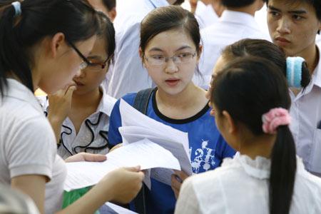Đề thi giữa học kì 1 lớp 10 môn Văn năm 2015 có đáp án