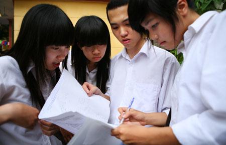 Đề thi 8 kì 1 môn Văn lớp 7 trường THCS Cảnh Hóa năm 2015