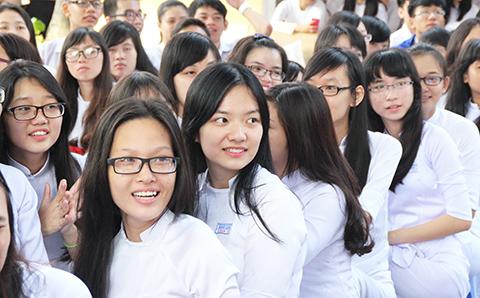 Đề thi giữa kì 1 lớp 10 môn Tiếng Anh trường THPT Thạnh Lộc 2015