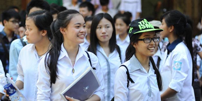 Đề thi giữa kì 1 môn Anh lớp 10 năm 2015 trường THPT Nguyễn Trãi