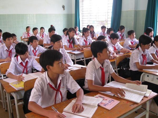 Đề thi giữa kì 1 lớp 9 môn Anh  - THCS Thái Hòa 2015 có đáp án