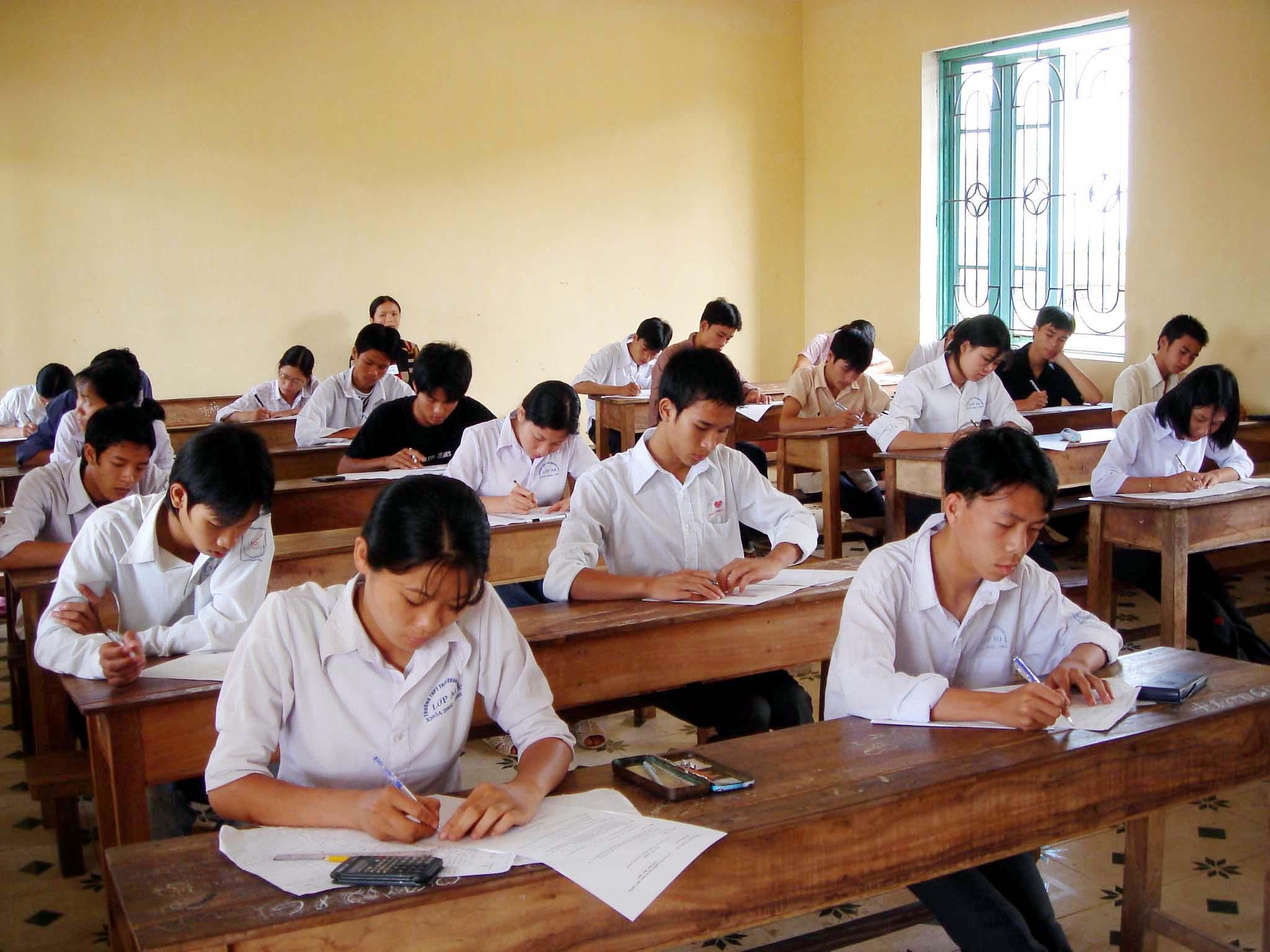 Đề thi giữa kì 1 môn Hóa Học lớp 10 - THPT Nguyễn Văn Cừ năm 2015