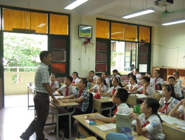 Đề thi giữa học kì 1 lớp 8 môn Anh - Phòng GD & ĐT Duy Tiên 2015