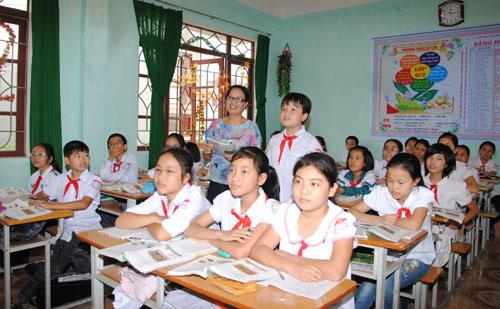 Đề thi giữa học kì 1 lớp 6 môn Văn trường THCS Trần Ngọc Hoằng năm 2016