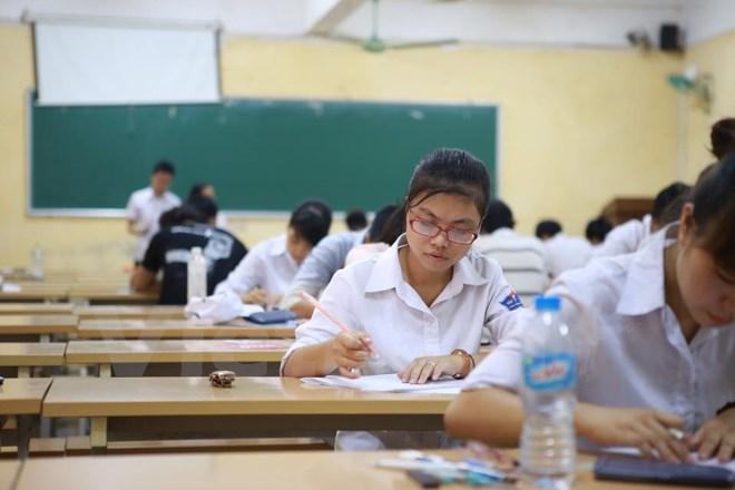 Đề thi giữa học kì 1 môn Toán lớp 12 năm 2016 trường THPT Hùng Vương