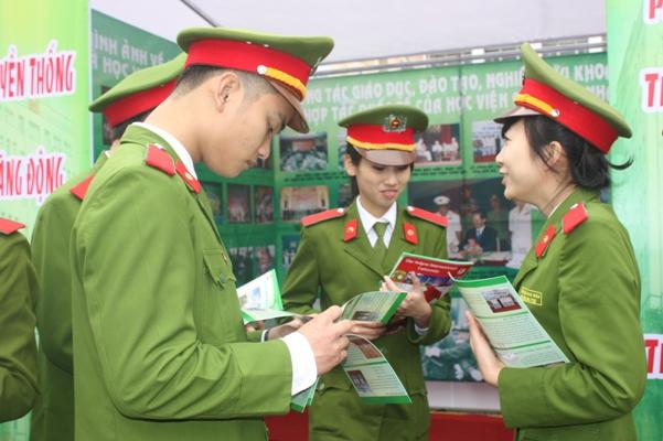 Các trường công an và quân đội xét tuyển bằng hình thức nào?