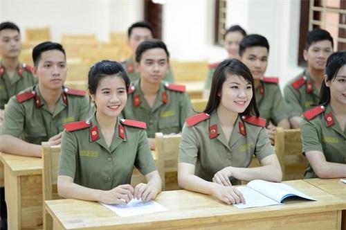 Quy định về độ tuổi thí sinh dự xét tuyển vào các trường CAND 2017