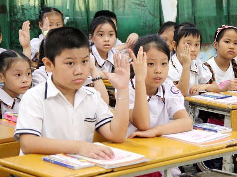 Đề thi giữa học kì 1 môn Tiếng Việt lớp 3 trường Tiểu học Tiền Phong 2 năm 2014