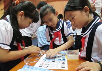 Đề thi cuối học kì 1 môn Tiếng Việt lớp 3 năm 2015 trường Tiểu học Trí Thức