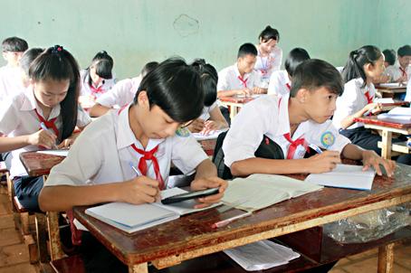 Đề thi giữa kì 1 Tiếng Anh lớp 7  - THCS Thái Hòa 2015 có đáp án